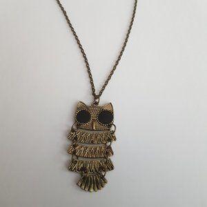 🌻 2/$25 Owl Necklace with Black Enamel Eyes